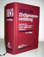Foto eines dicken Buches, der Zivilprozessordnung